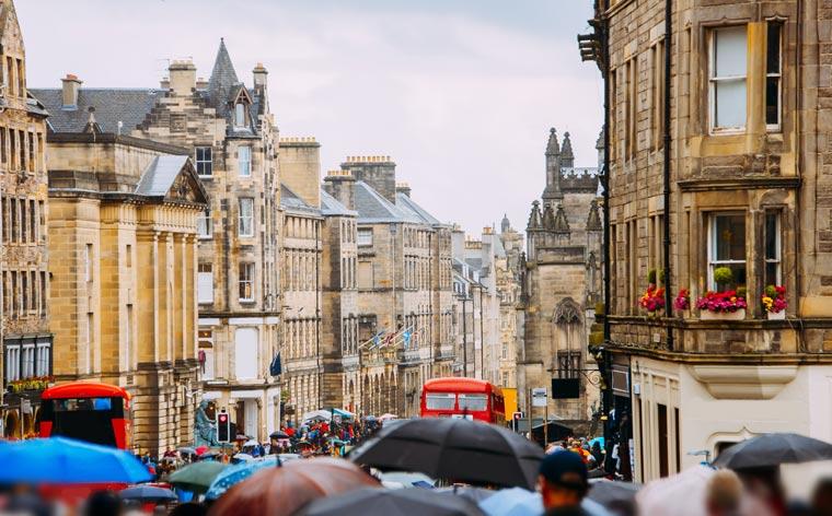Ting å se og gjøre på din første tur til Edinburgh