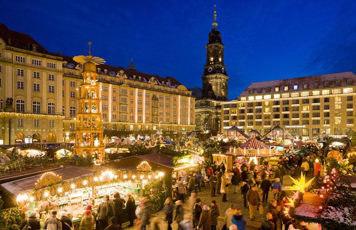 Striezelmarkt i Dresden er Tysklands eldste julemarked